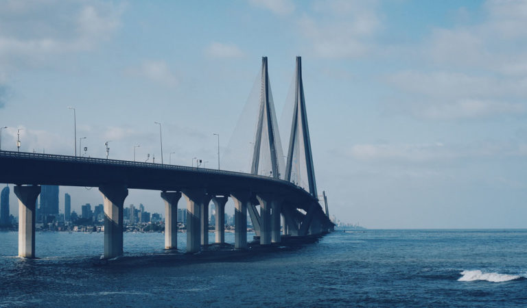 Bandra-Worli Sea Link's initial plan was modified to benefit construction companies?